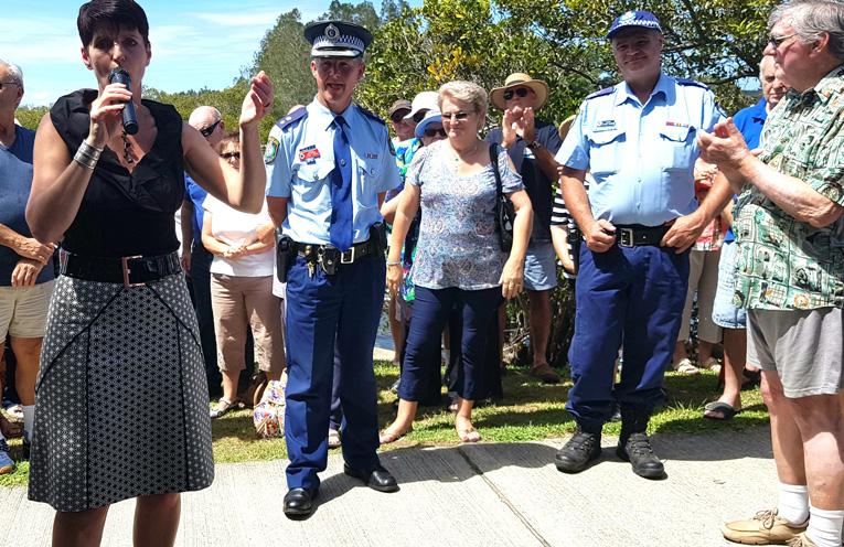 TEA GARDENS POLICE RALLY: Kate Washington MP, Det Chief Insp. Steve Laksa and Sgt Geoff Farmer.