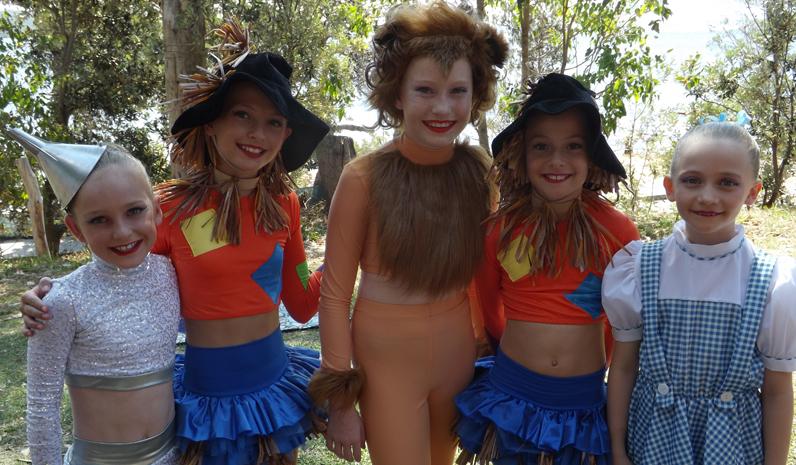 Robyn Yvette Dancers - Follow the Yellow Brick Road.