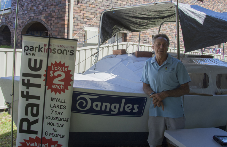 Lee Anlezark with Tangles as she undergoes restoration. Photo by Mandy Ellis.