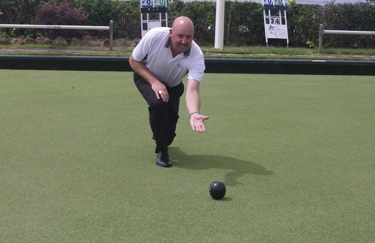 Richard Girvan bowling at Nelson Bay Bowling Club. Photo by Marian Sampson.