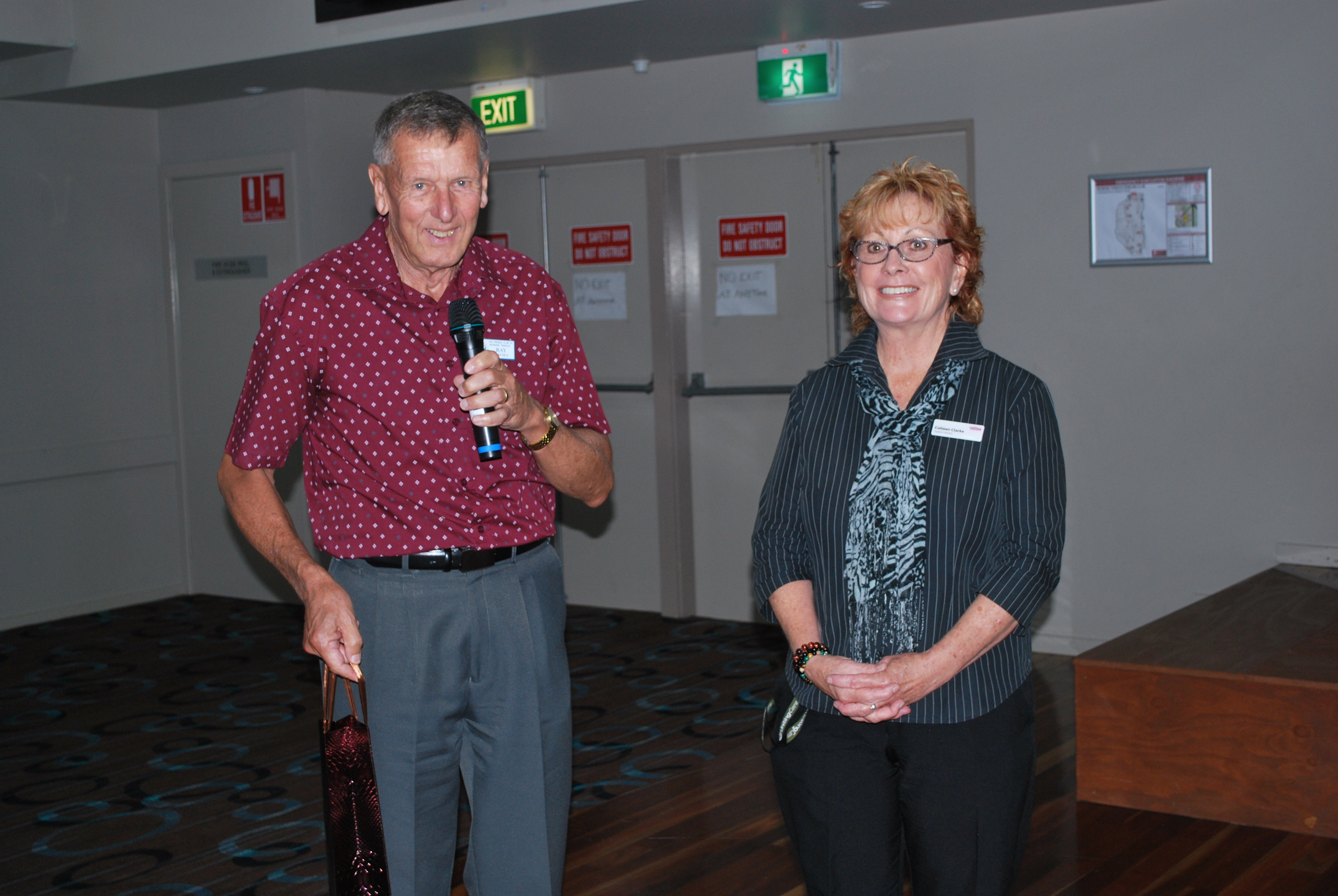 Ray Davies thanking guest speaker Colleen Clark from Uniting who enlightened the Probus group on Community Home Care Packages.