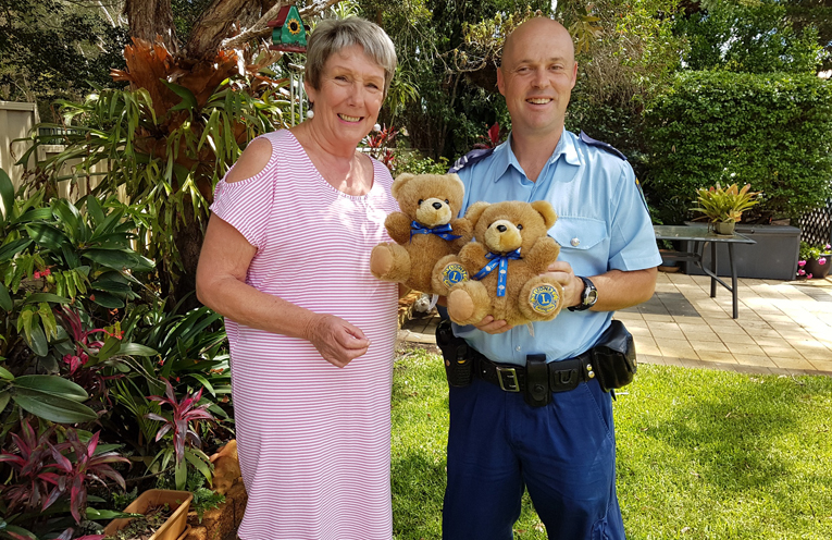 Kay Elson, President of Lions Club of Tilligerry Peninsula, and Luke Rogers from Lemon Tree Passage police.