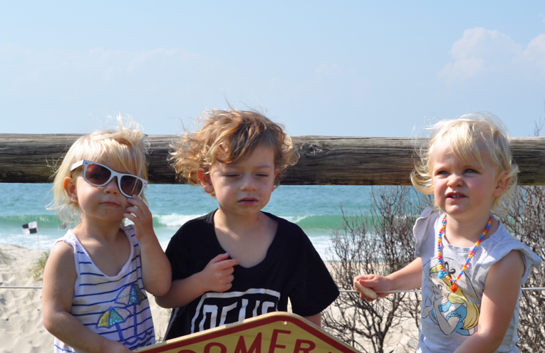YOUNG CLEAN UP VOLUNTEERS:  Boomerang Bags 1st Birthday Celebrations at Bennetts Beach.
