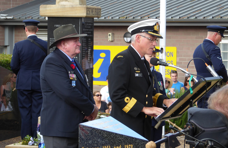 Commodore Smith giving an address at the Nelson Bay ANZAC Day Service.