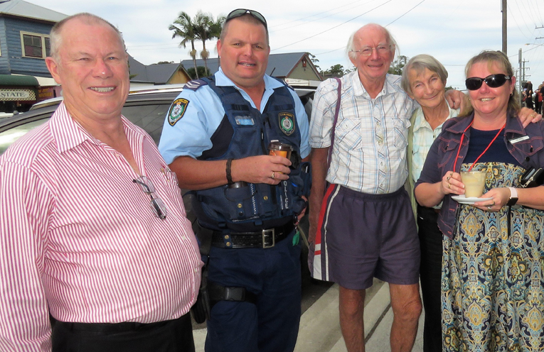 Roger Dixon, Senior Constable Trevor McLeod, Les and Carol Tattersall and Deb Gilbert.