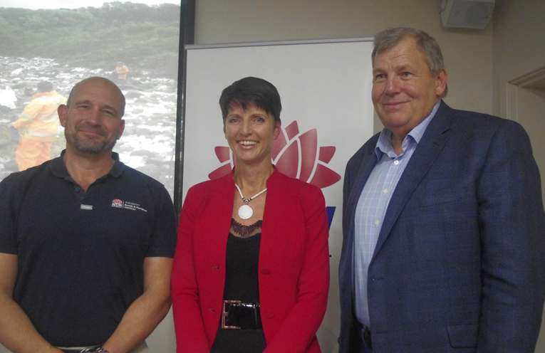 State Marine Pollution Controller Angus Mitchell with Member for Port Stephens Kate Washington and Spokesperson for Varley Bob Baldwin. Photo by Marian Sampson.