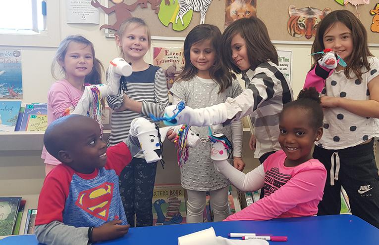TEA GARDENS LIBRARY: Making fun through sock puppets.