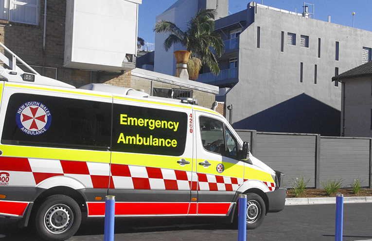 Ambulances using the single lane access on Yacabba Street in Nelson Bay to the foreshore. Photo by Marian Sampson.