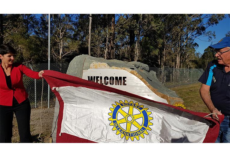 GATEWAY WELCOME: Kate Washington MP and Rotary's Ian Mackenzie-Smith.