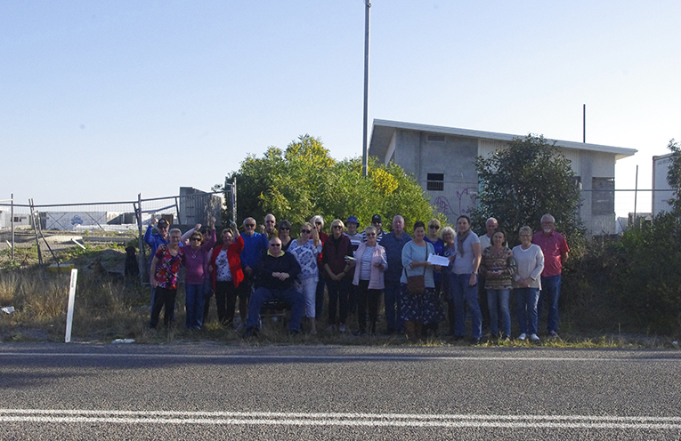 Residents with Councillor Sarah Smith on one section of Gan Gan Road where they believe a footpath is vital. Photo by Marian Sampson.