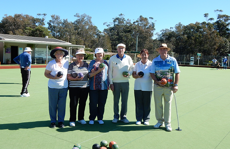 Sunday Bowlers, Joan Hannagan, Pam Gilchrist, Sue Morris, Ray Gilchrist, Bev Dunn and Chris Stone, enjoying a great day at bowls.