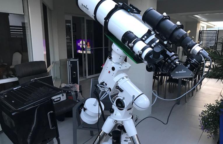 TEA GARDENS CLUB: Telescope for Stargazing.