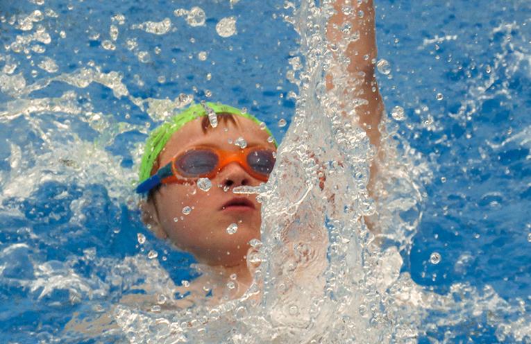 Jacob Whitter in the 25m backstroke