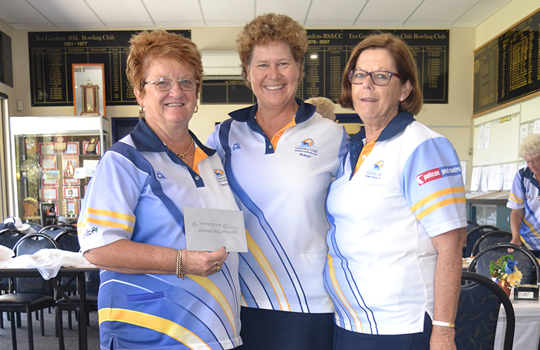 Winners RSL LifeCare Grange Trophy (L) to (R):  Deyonne Page, Robyn Beaumont and Kayelene Pearson.