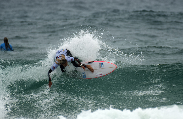 Elle Clayton Brown carving it up. Image supplied by Surfing NSW.