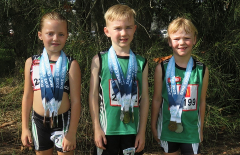 Under 7 medal winners – Mia Clarke, Boston Maloney and Charleise Chivers.