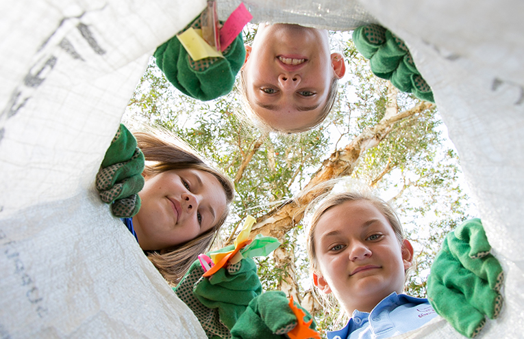 SCHOOLS CLEAN UP DAY: Natureh Fenton-Holt (top), Isla Brumby and and Maeve Brumby.