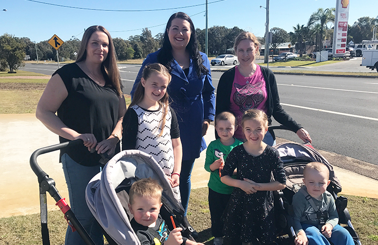 Liberal Candidate Jaimie Abbott with local families getting ready to go back to school.