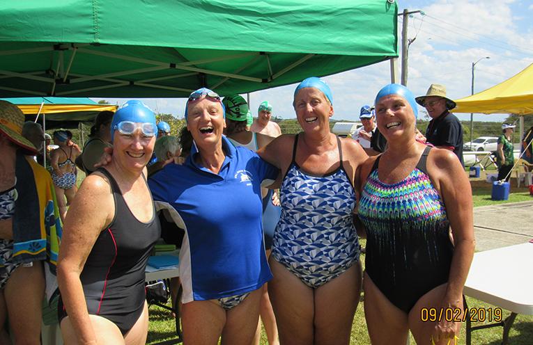 TEAM WINNERS:  Leigh Wood, Jenny Hyde, Jaclyn Forsyth, Liz McKay.