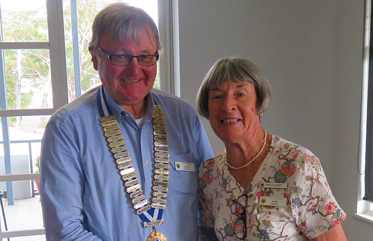 New President of the Probus Club of Port Stephens David Wilson with outgoing President Ann Gibson.