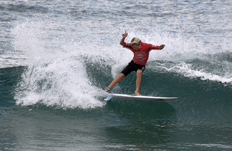 Dane Henry in his bid for a place in the finals. Photo by Ethan Smith Surfing NSW.