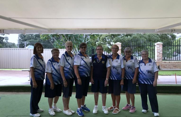Runners Up Grade 4 Side: Jean Glover, Bev Stephens, Loretta Baker, Karen McPhie, Liz Kelly, Dale Winter, Lynda Richards and Francis Betar.