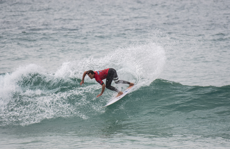 SPORT_FINGAL_SURFER_TAKES_TITLE_MS_PY
