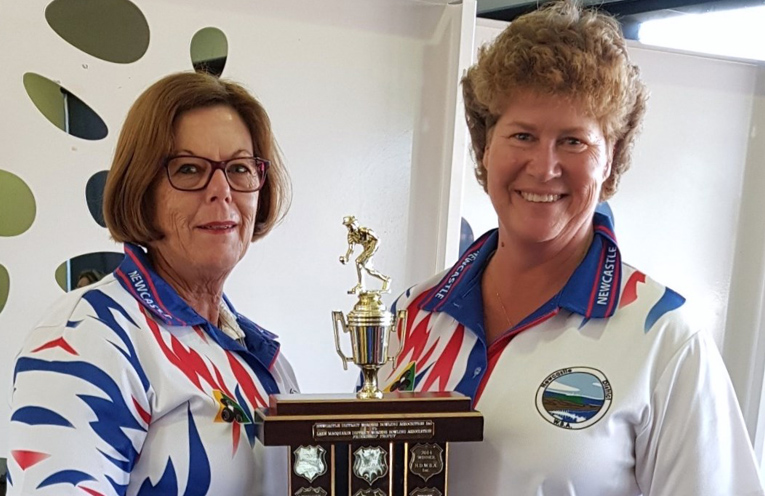 Our NDWBA representative bowlers Kayelene Pearson and Robyn Beaumont holding the Friendship Trophy.
